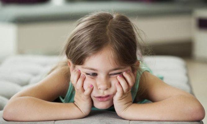Copilul se plictiseste repede? Sfaturi pentru parinti